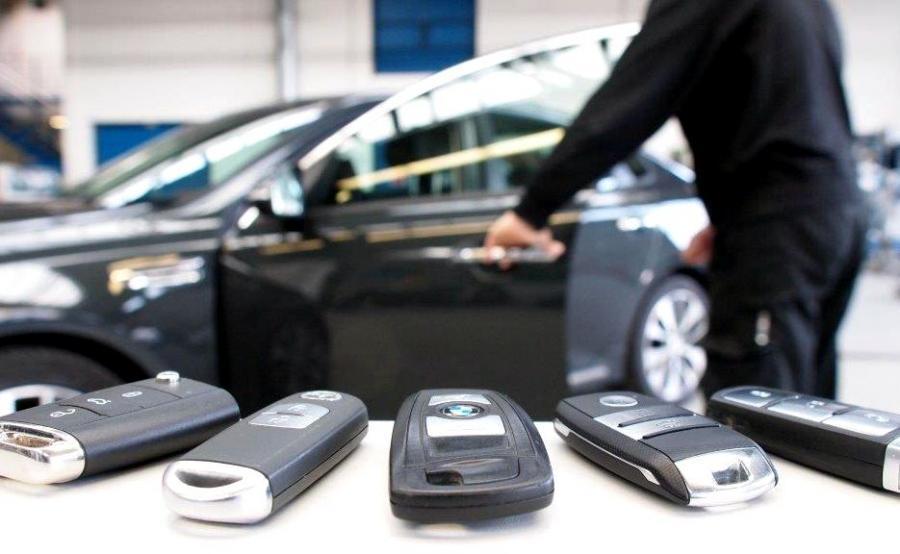Złodzieje samochodów zmieniają się w hakerów