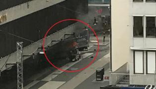 Ciężarówka wjechała w ludzi w centrum Sztokholmu