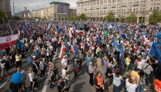 Uczestnicy Marszu Wolności PO