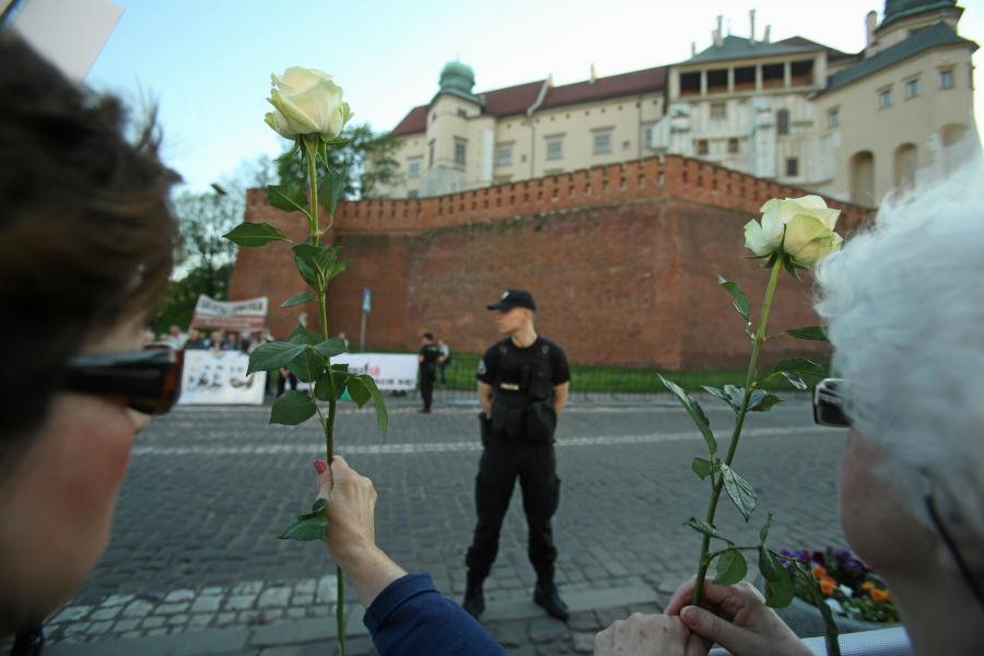 Demonstracja przed Wawelem