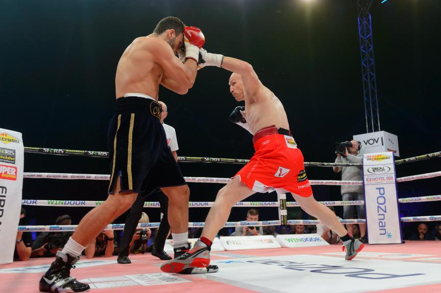 Włodarczyk pokonał Gevora w drodze po pas mistrza świata federacji IBF