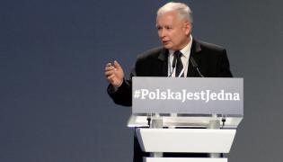 Jarosław Kaczyński podczas kongresu w Przysusze