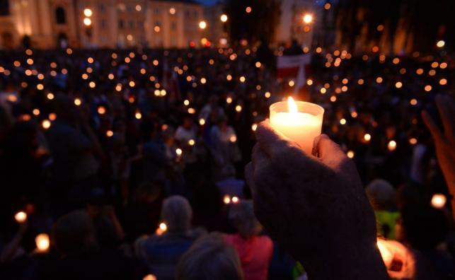 Łańcuch Światła przed Sądem Najwyższym w Warszawie