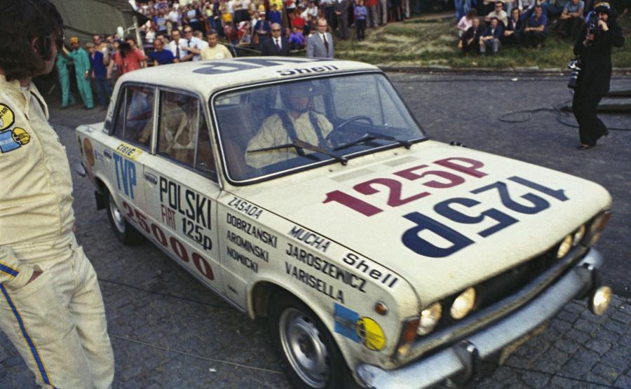 Wrocław 30.06.1973. Ustanowienie światowego rekordu prędkości na dystansie 50 000 km Fiatem 125p FSO (138,27 km/h)