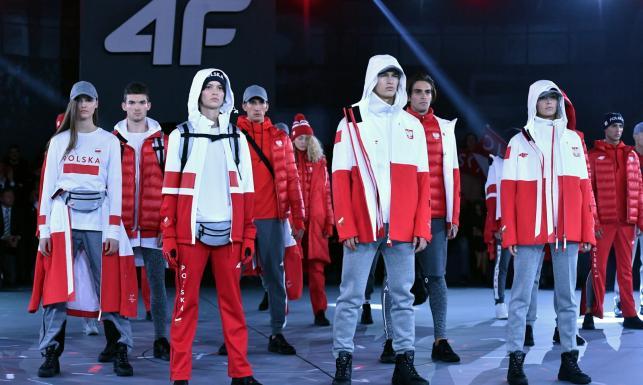 Pjongczang 2018: W takich strojach wystąpią polscy olimpijczycy. Ładne? [FOTO]