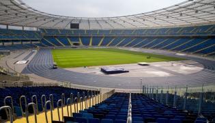 Murawa rozłożona na Stadionie Śląskim przed piłkarskim meczem towarzyskim Polska - Korea Płd