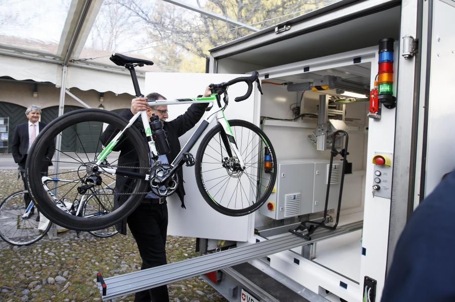 UCI będzie prześwietlać rowery