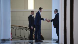 Premier Mateusz Morawiecki i minister infrastruktury Andrzej Adamczyk