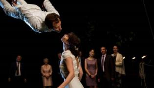 """Kadr z filmu """"Nasze najlepsze wesele"""". Komedia w kinach od 18 maja"""