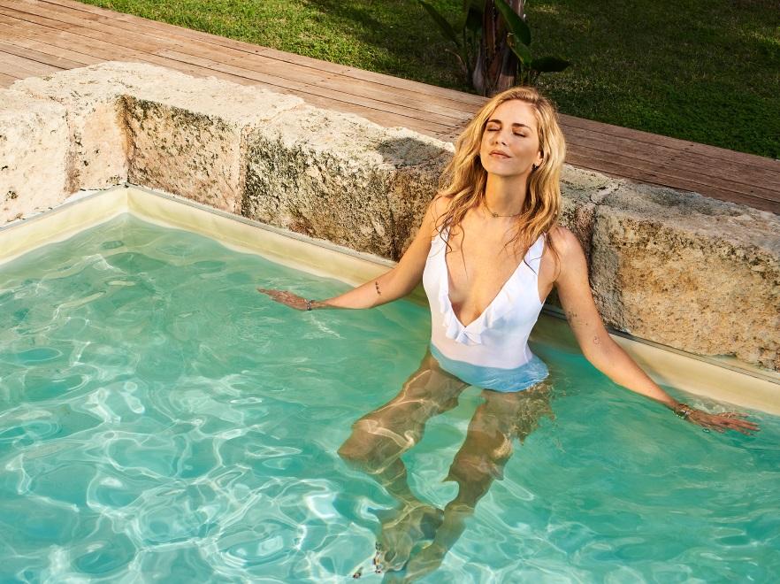 Chiara Ferragni w kampanii strojów kapielowych Calzedonia 2018