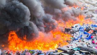 Pożar na wysypisku śmieci