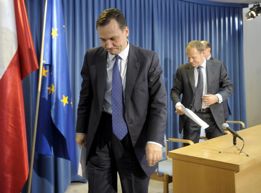 Sikorski: Polska dyplomacja jest coraz biedniejsza