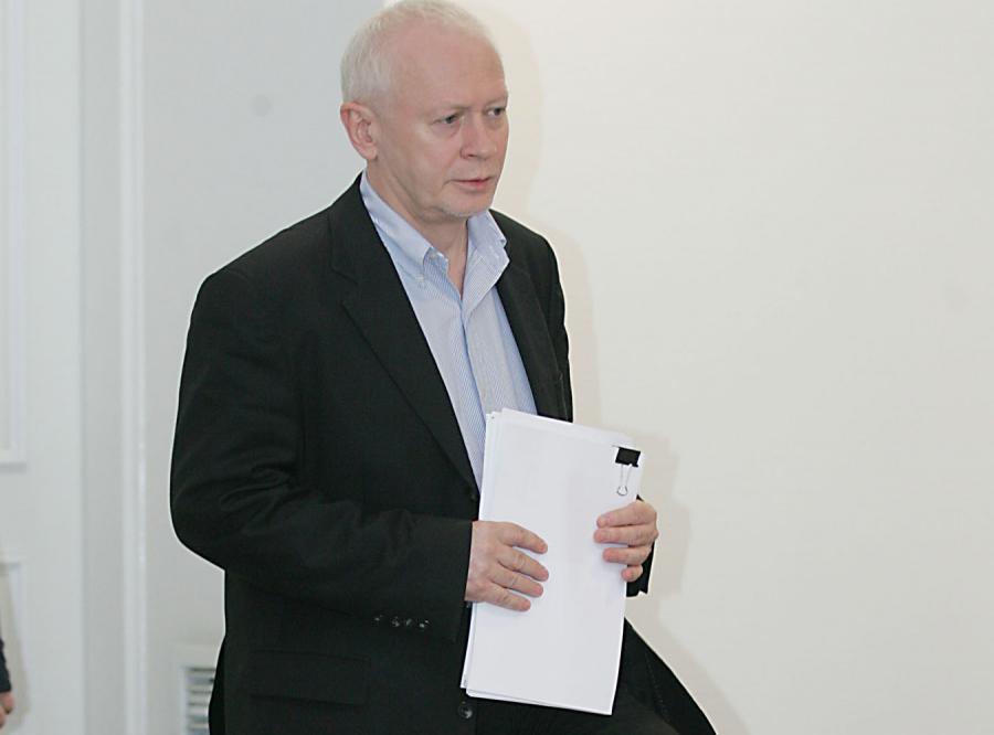 Boni: Rząd będzie pomagał spłacać kredyty do końca 2010 roku