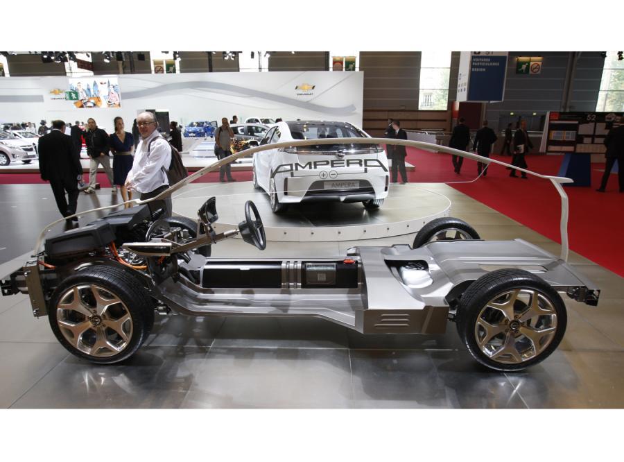 Opel rozpoczął w Polsce przyjmowanie rezerwacji na model ampera