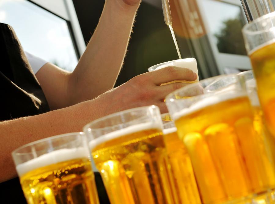 Alkohol na stacjach benzynowych? Senat odrzucił własny projekt