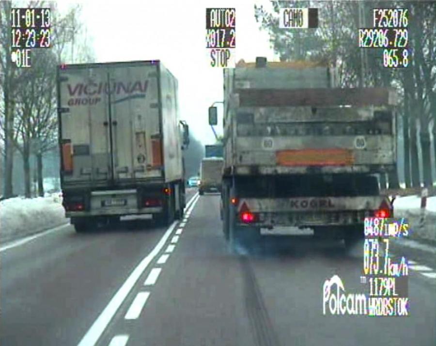 Zobacz, jak szalony tir siał postrach na drodze