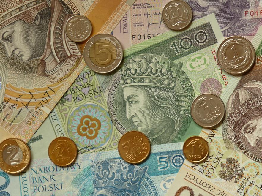 Polacy źle oceniają obecny system emerytalny