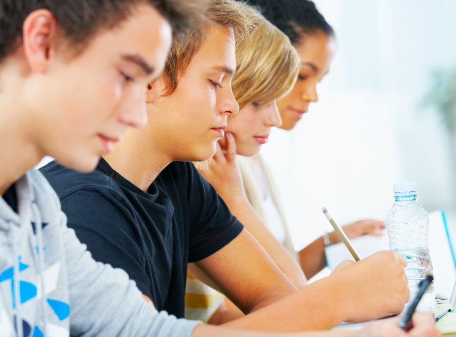 PiS apeluje: Więcej środków na szkoły zawodowe