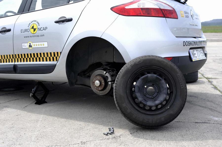 Dziura w drodze zniszczyła twój samochód? Walcz o odszkodowanie