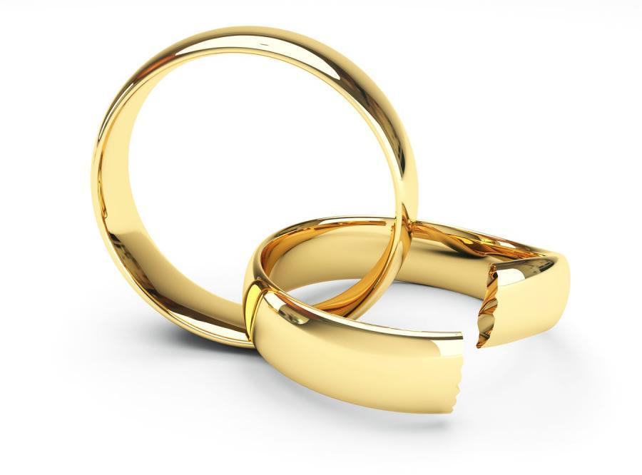 Orzekając rozwód, sąd powinien rozstrzygnąć o władzy rodzicielskiej
