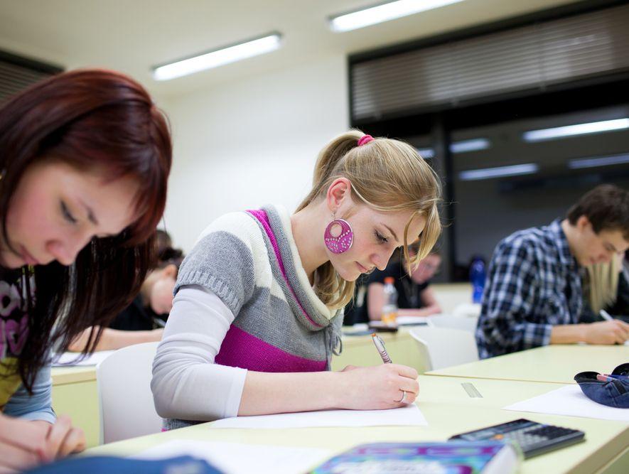 Polacy nie chcą na brytyjskie uniwersytety
