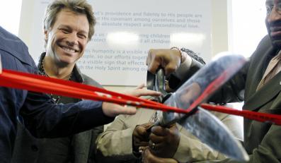 Jon Bon Jovi w swojej fundacji