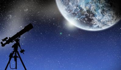 Zagadkowa planeta pozasłoneczna. Siedem razy większa od Jowisza!