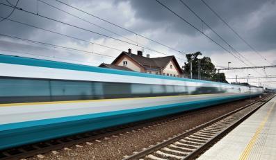 Osobliwe wyścigi dwóch firm kolejowych