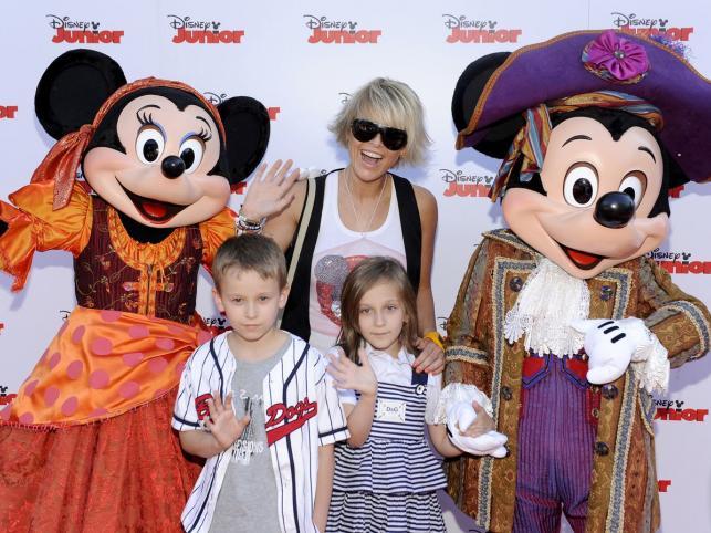 Piosenkarka Marta Wiśniewska z córką Fabienne i synem Xavierem