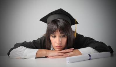 """PiS o """"prymitywnym"""" uderzaniu w ambitnych studentów"""