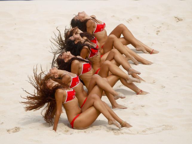 Siatkówka plażowa jest przyjemna dla oka