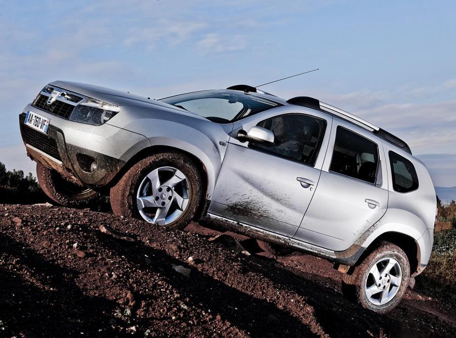 Na drogi wyjechał 20 000 egzemplarz Dacii sprzedany w Polsce - jubileuszowym modelem jest Logan Pickup z silnikiem benzynowym 1.6