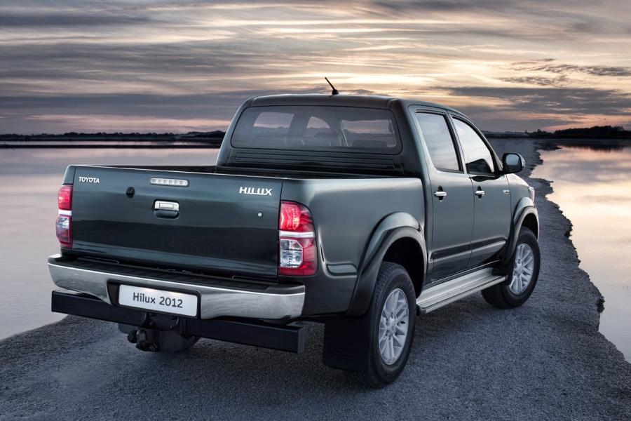 Toyota Hilux z nowym obliczem zadebiutuje na europejskich rynkach w końcu 2011 roku