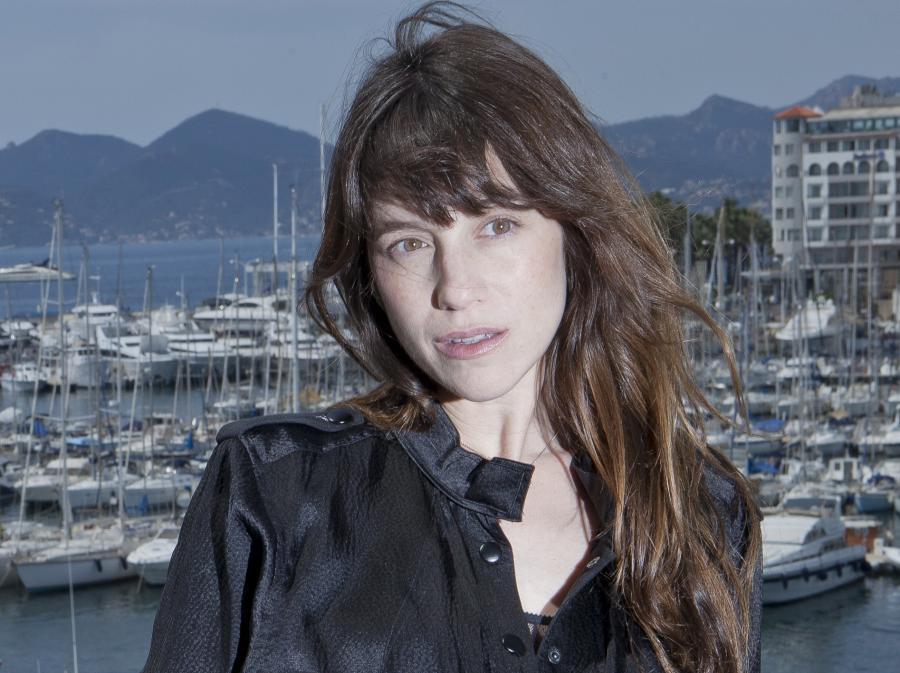 Charlotte Gainsbourg wraca z dwoma płytkami