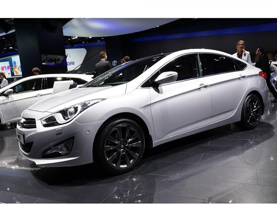 We Frankfurcie koreańska marka, obok absolutnej nowości jaką jest i30, przedstawiła światu model i40 w wersji sedan