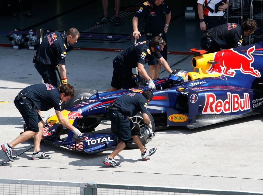 Trener opuszcza Vettela dla żeńskiej drużyny hokejowej