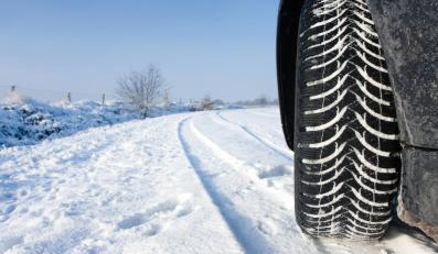 Zobacz 10 przykazań kierowcy przed zimą