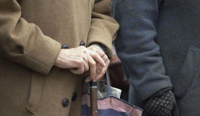 Pomysł resortu finansów przewiduje wycofywanie oszczędności ubezpieczonych w OFE w ciągu 10 lat przed emeryturą