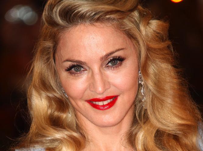 Madonna objawi się jako MDNA