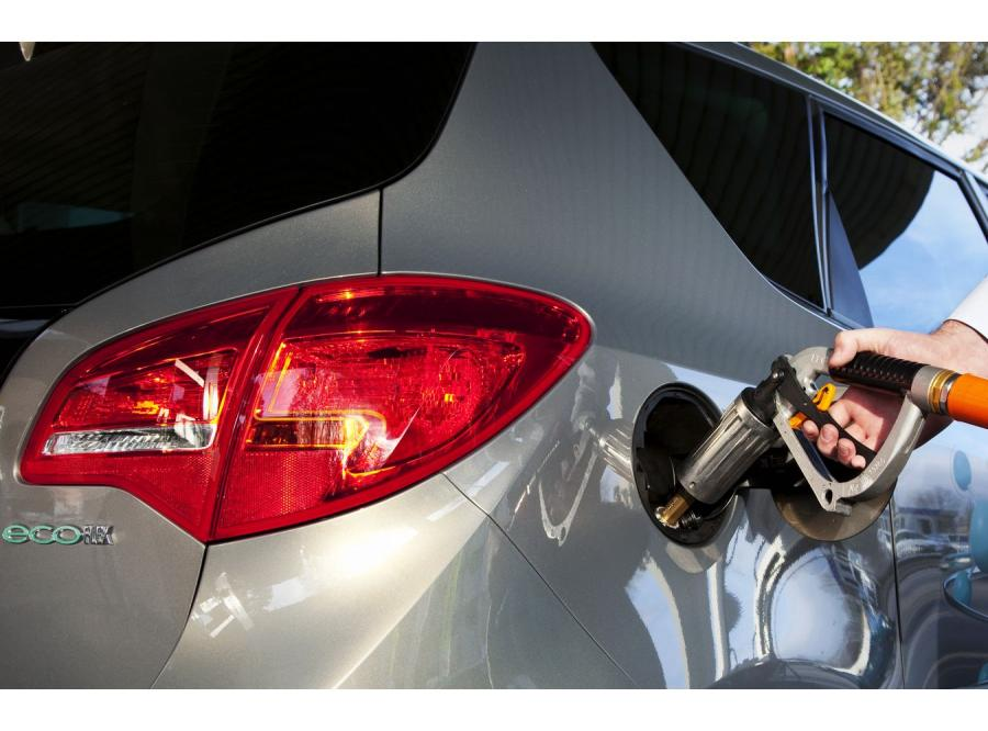 Tankowanie auta LPG