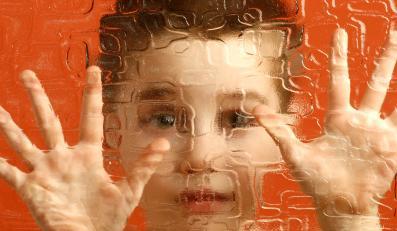 Dzieci autystyczne inaczej niż przeciętne reagują na bodźce z zewnątrz