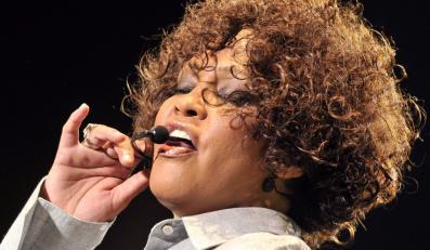 Żal i szok po śmierci Whitney Houston