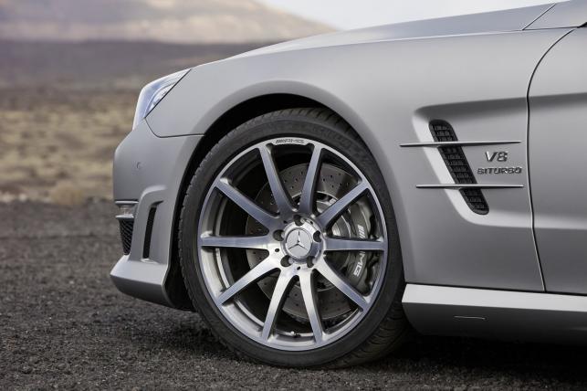 Po raz pierwszy Mercedes SL 63 AMG dostępny będzie w dwóch wersjach mocy