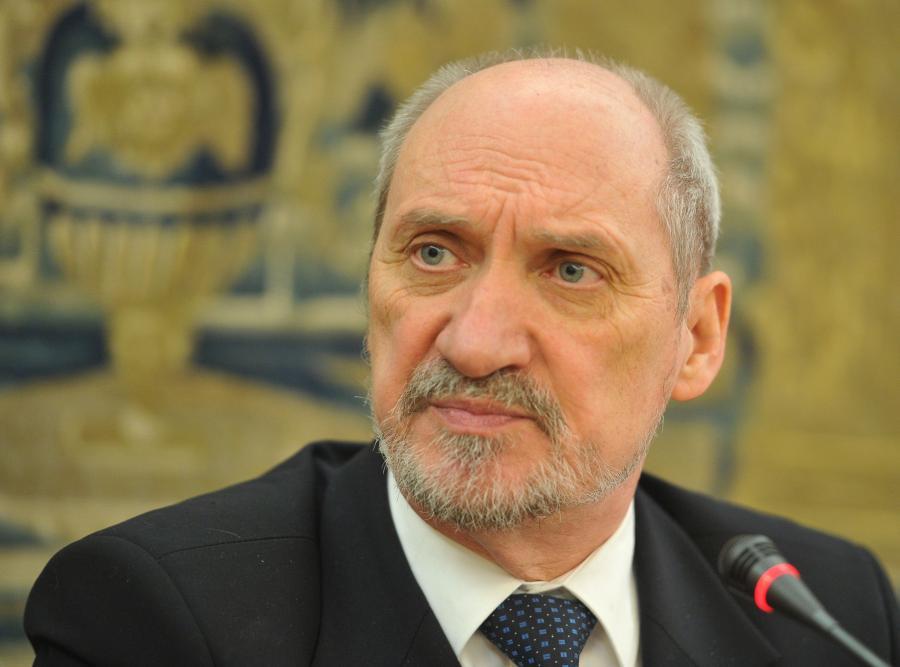 Prokuratura chce uchylenia immunitetu posłowi PiS Antoniemu Macierewiczowi