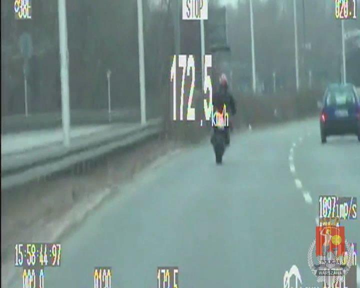 Wyczyn motocyklisty na Wisłostradzie w Warszawie