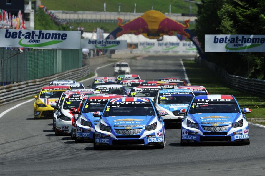 Potrójne zwycięstwo Chevroleta w wyścigu WTCC w Austrii