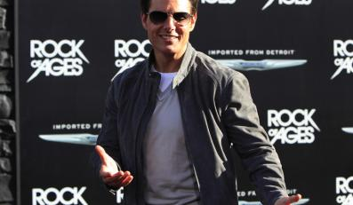 1. Tom Cruise - 75 mln dol.