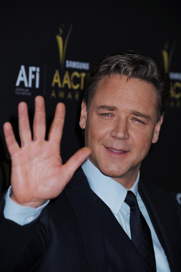 Russell Crowe reżyseruje filmu o Billu Hicksie