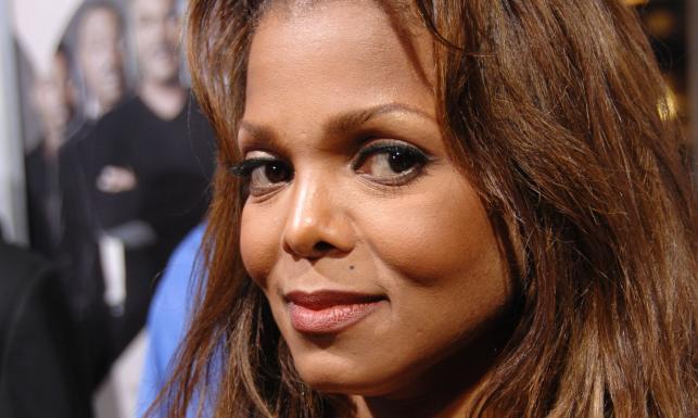 Piosenkarka Janet Jackson, znana bardziej jako siostra króla pop, Michaela Jacksona, niebawem stanie na ślubnym kobiercu. Jak podają amerykańskie media, ... - 4094888-janet-jackson-643-385