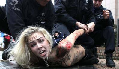 Aktywistka i policja